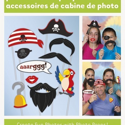 Pirate themed photobooth props