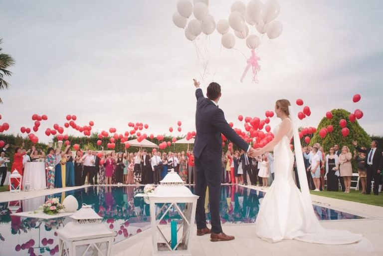 31 Easy Wedding Entertainment Ideas