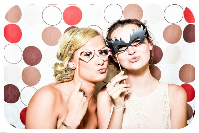 Tips for Hiring the Perfect Photo Booth
