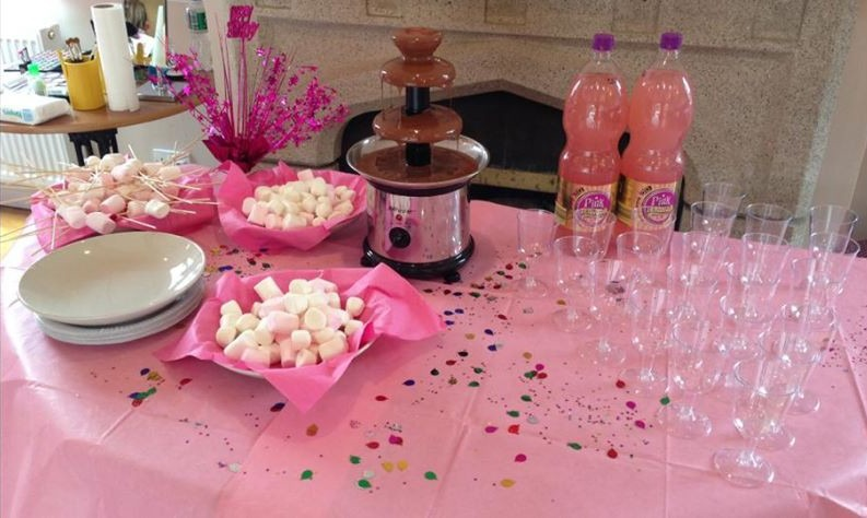 Pamper party food by little laughs