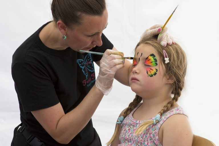 Tips For Hiring A Face Painter