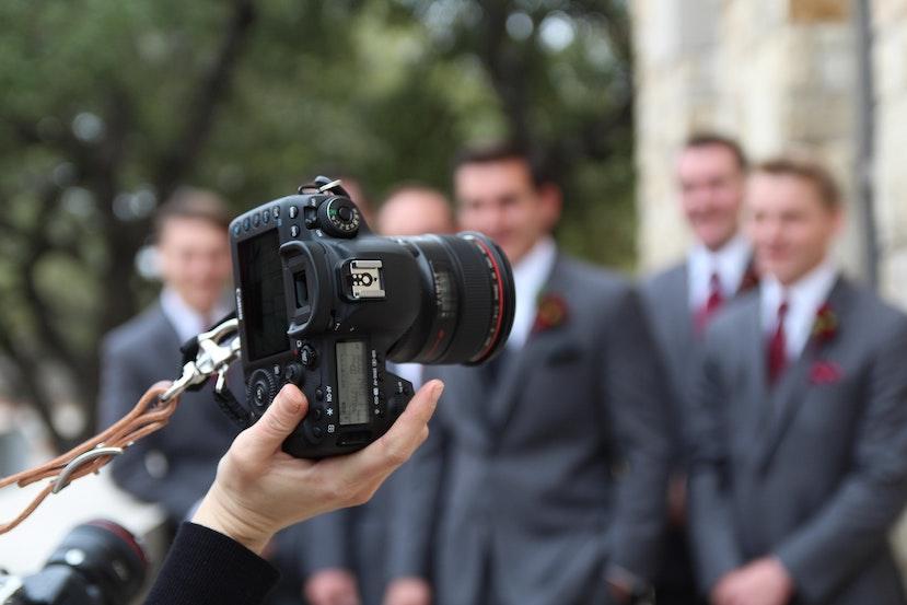 Hiring a wedding photographer tips