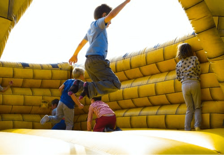 Read more about the article Top 10 kid's party entertainment ideas!
